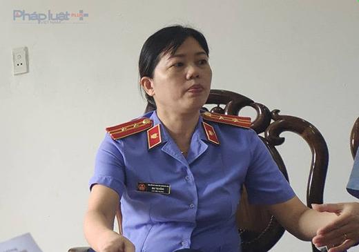 Bà Mai Thị Hồng, Phó viện trưởng VKS huyện Nga Sơn thừa nhận có việc bà Dưỡng mang tiền đến đưa tại nhà riêng. (Ảnh: A.Thắng)