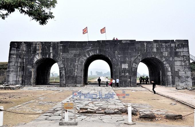 Nhiều di chỉ khảo cổ mới được phát hiện tại Thành nhà Hồ mang nhiều giá trị khoa học rất quan trọng. (Ảnh: A.Thắng)