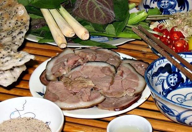 Thịt chó vẫn là món ăn khoái khẩu của người Việt.