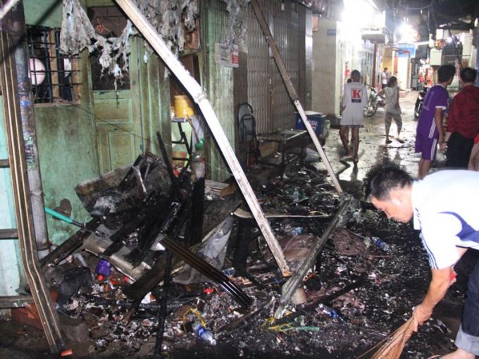 Hiện trường vụ cháy ở phố Tây Sài Gòn