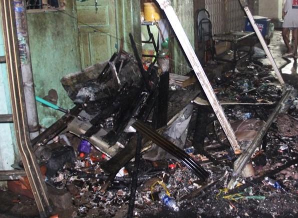 Nhiều tài sản bên trong căn nhà bị hư hỏng, thiêu rụi