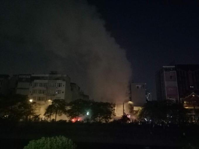 Cháy quán Karaoke tại 85G phố Nguyễn Khang.