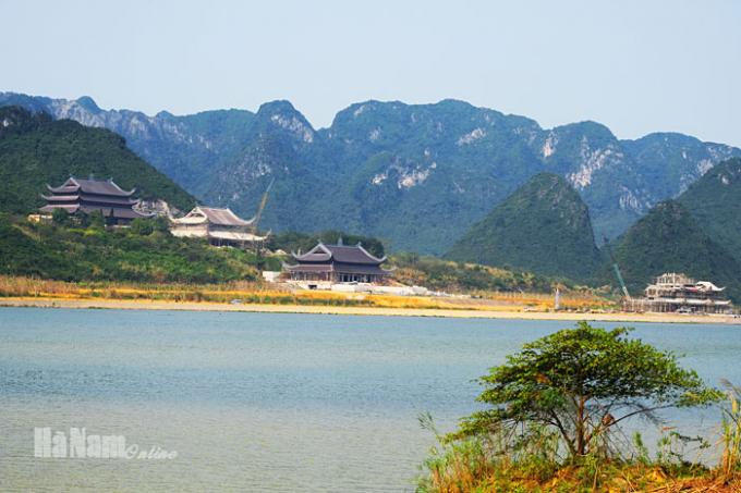 Một góc khu du lịch Tam Chúc. Nguồn ảnh: Báo Hà Nam