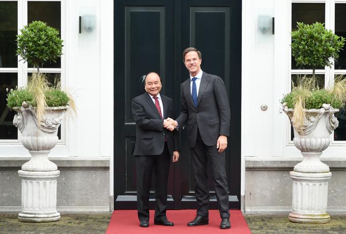 Thủ tướng Nguyễn Xuân Phúc và Thủ tướng Hà Lan Mark Rutte. Ảnh: VGP/Quang Hiếu