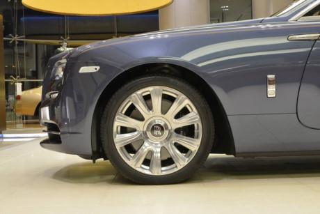 Xe có thể tăng tốc từ 0 - 100 km/h trong 4,9 giây, và có vận tốc giới hạn 250 km/h.