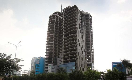 Ngân hàng Agribank nhiều lần rao bán cao ốc văn phòng V-Ikon tại số 129 A - 131 - 131 A - 133 - 135 A - 153/33 đường Điện Biên Phủ, phường 15, quận Bình Thạnh do Công ty TNHH Việt Thuận Thành làm chủ đầu tư nhưng đến thời điểm hiện tại vẫn chưa có người mua
