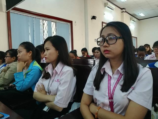 Sinh viên ngành Giáo dục mầm non, ĐH Sài Gòn tham dự tọa đàm về chống bạo hành trẻ em