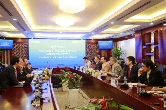 Tập đoàn FLC và Hãng sản xuất máy bay Airbus của Pháp làm việc tại trụ sở FLC ở Hà Nội.
