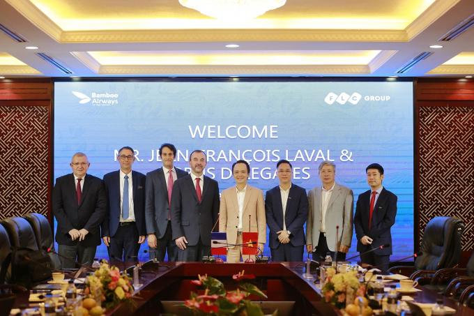 FLC và Airbus đã đạt thỏa thuận về việc hợp tác mua 24 máy bay A321NEO trị giá 3 tỷ USD phục vụ hoạt động của Bamboo Airways.