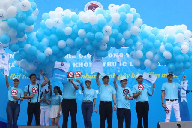 Lễ mít tinh hưởng ứng ngày thế giới không hút thuốc lá vừa diễn ra tại Đà Nẵng