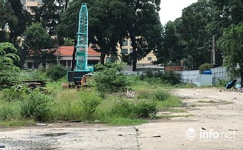 Hiện khu đất xây dựng dự án đã được rào chắn nhưng bên trong chưa có dấu hiệu nào cho thấy đang triển khai thi công.