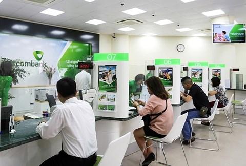 Tiền trong tài khoản ATM của khách được trả lãi nhưng lãi suất tiền gửi không kỳ hạn, rất thấp so với lãi mà ngân hàng có thể dùng số tiền đó để cho vay.