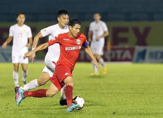 HLV Park Hang Seo rất cần khả năng chơi đầu và làm tường tốt của Anh Đức