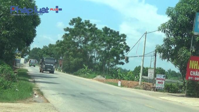 Tốp 2 xe trên Quốc lộ 37 khu vực huyện Phú Bình tỉnh Thái Nguyên. Các xe này đều có hướng đến là huyện Hiệp Hòa - Bắc Giang.