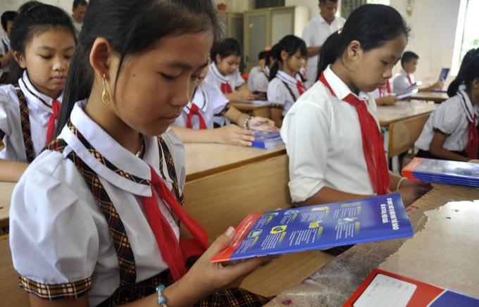 Học sinh rất thích thú với những kiến thức hướng dẫn sử dụng điện an toàn, hiệu quả.