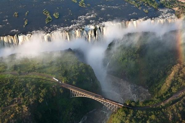 Tuyệt vời 5 thác nước tự nhiên đẹp nhất thế giới - 3
