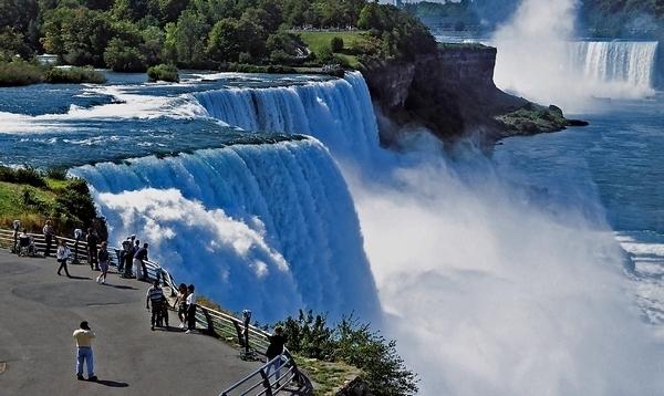 Tuyệt vời 5 thác nước tự nhiên đẹp nhất thế giới - 7