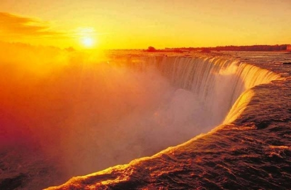Tuyệt vời 5 thác nước tự nhiên đẹp nhất thế giới - 9