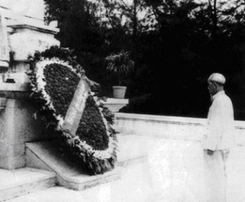 Bác Hồ là người ký văn bản đầu tiên, khẳng định tầm quan trọng công tác thương binh liệt sỹ đối với cuộc kháng chiến cứu nước của dân tộc.