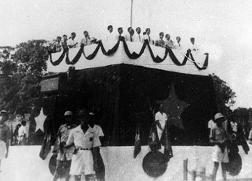 Lễ đài nơi Chủ tịch Hồ Chí Minh đọc Bản tuyên ngôn tại quảng trường Ba Đình.