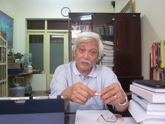 Nhà sử học Dương Trung Quốc trao đổi với PV Phapluatplus.vn.