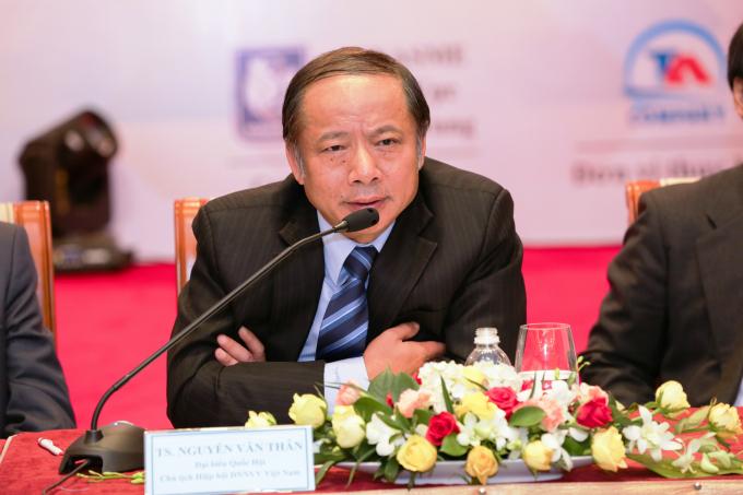 ĐBQH Nguyễn Văn Thân, Chủ tịch Hiệp hội doanh nghiệp nhỏ và vừa Việt Nam.