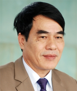 Ông Kiều Trung Tiến, Hiệu Trưởng THPT Phan Đình Phùng: