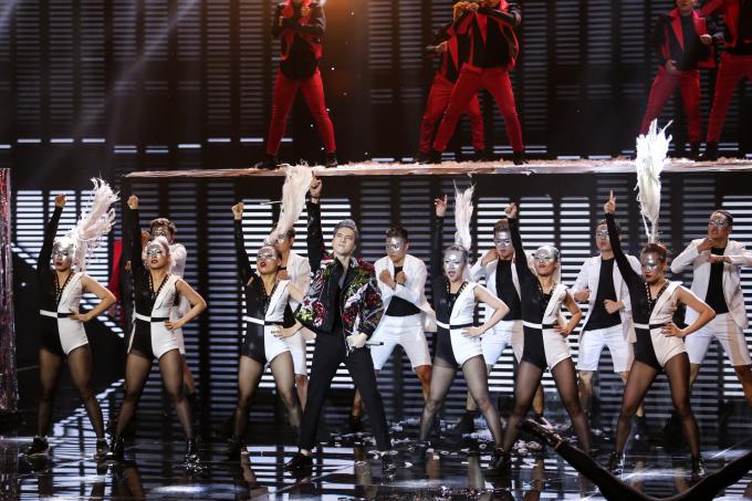 Soobin Hoàng Sơn quay trở lại The Remix làm giám khảo khách mời trong đêm Chung kết 1