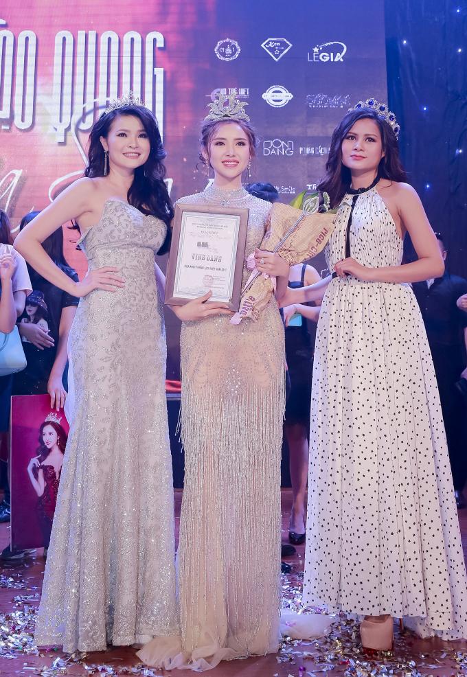 Hot girl Lương Lê đoạt giải Hoa khôi thanh lịch Việt Nam 2017