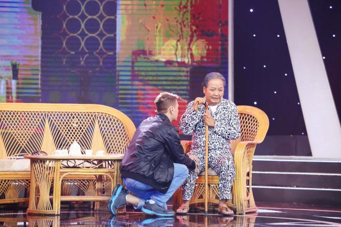 Nhờ Sao Nối Ngôi, cha con Nguyễn Sanh mới có cơ hội ôm nhau sau 34 năm