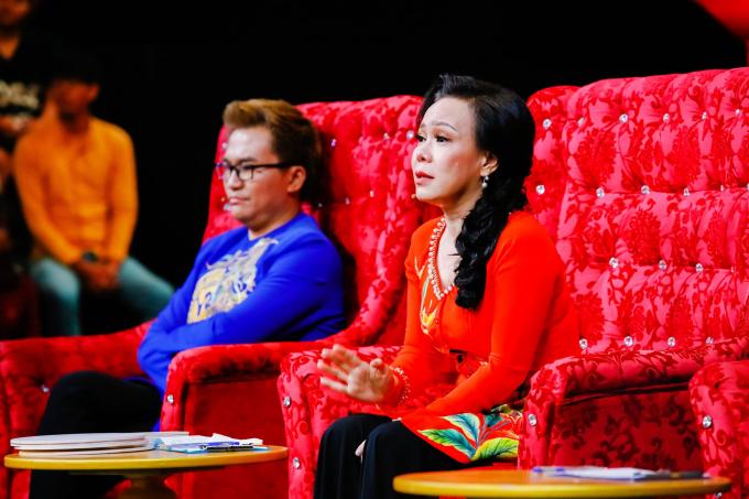 Việt Hương nghẹn ngào chia sẻ về người bạn thuở cơ hàn