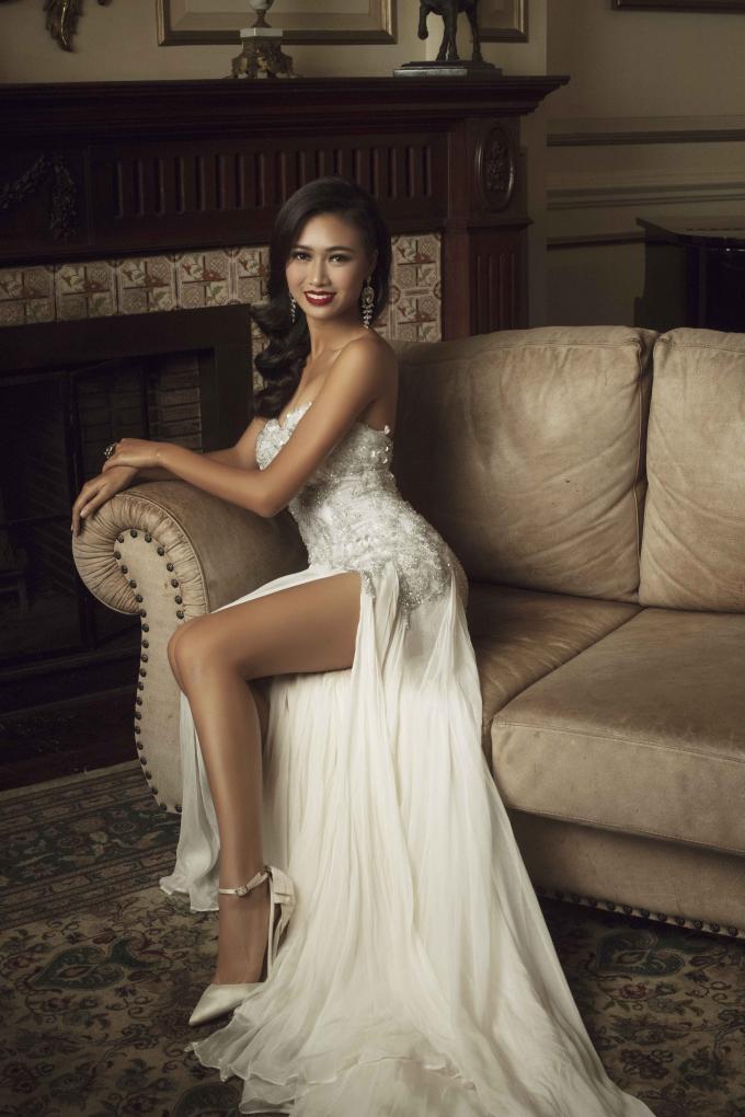 Thí sinh Hoa hậu Hoàn vũ Việt Nam tỏa sáng trong bộ ảnh Final Glamshot dạ hội