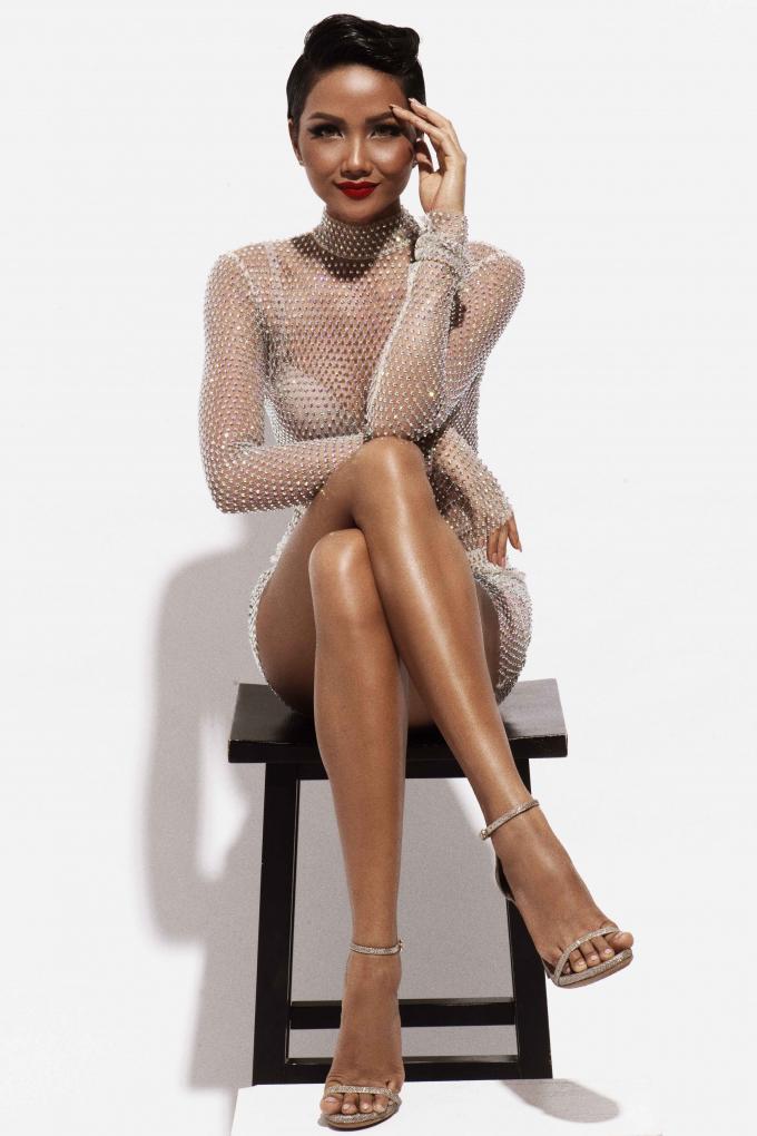 Ngắm nhìn nhan sắc ấn tượng của Hoa hậu H'hen Niê trong bộ ảnh cực chất