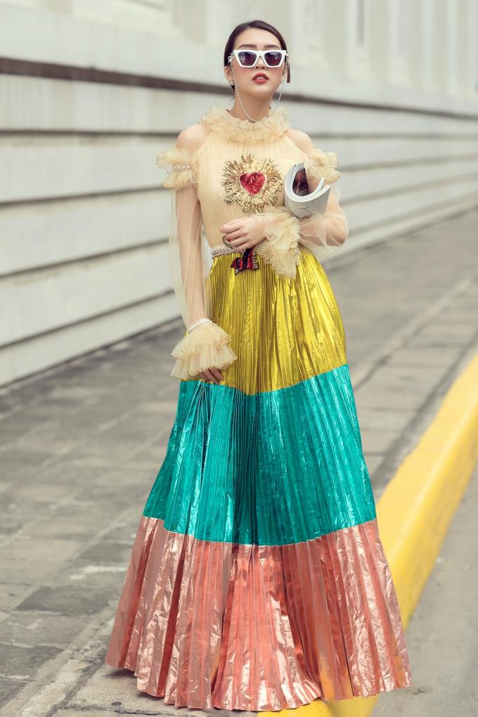 """Tường Linh """"gây thương nhớ"""" với phong cách thời trang sành điệu"""