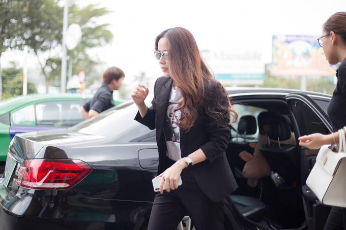 Nam Em thần thái như sao Hàn xuất hiện tại sân bay