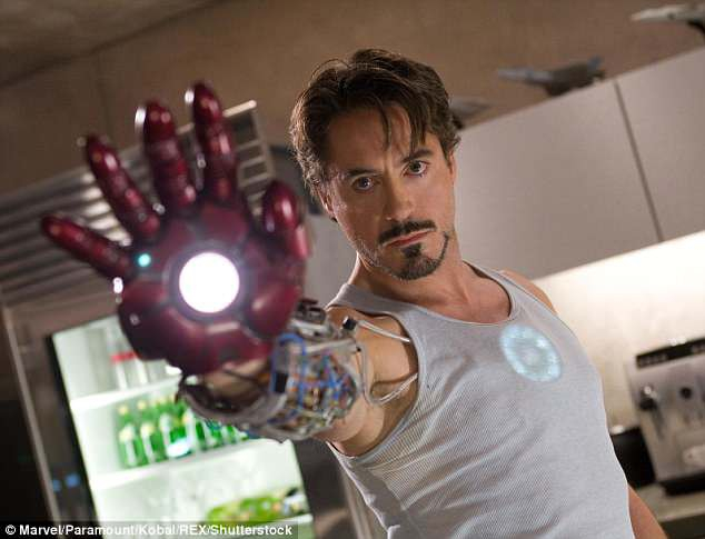 Nam diễn viên Robert Downey Jr trong vai Người Sắt.