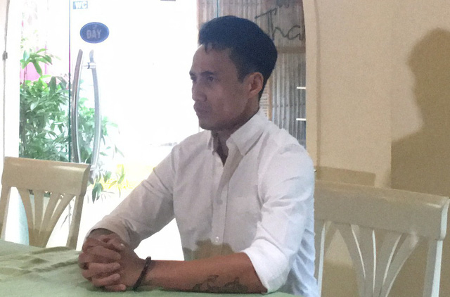 Phạm Anh Khoa trong buổi họp báo chóng vánh. Ảnh Dân Trí