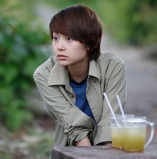 Minh Hằng trong phim Vừa đi vừa khóc.