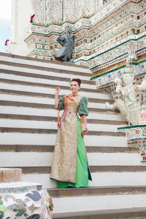 """Trong tiếng Thái, """"Wat"""" có nghĩa là chùa, còn """"Aruna"""" trong tiếng Ấn Độ có nghĩa là thần bình minh."""
