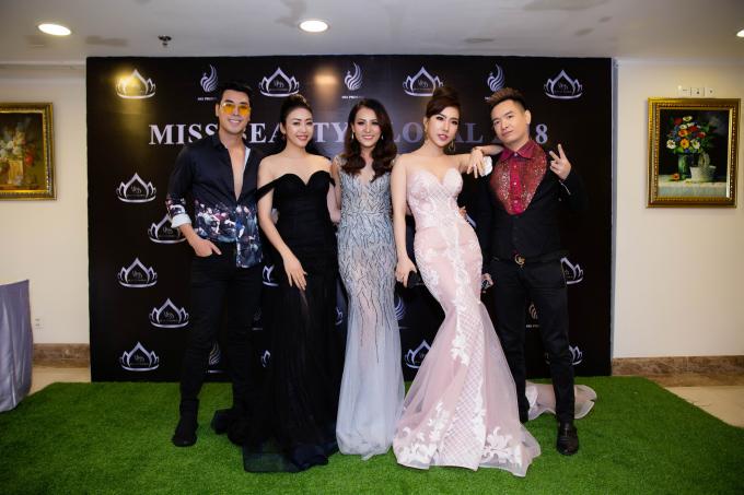 Nhà tài trợ trang phục Nhật Phượng cùng với ban tổ chức Miss Beauty Global 2018