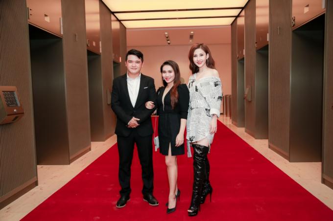 Hoa hậu Chi Nguyễn quyến rũ bên Michael Owen, Ưng Đại Vệ