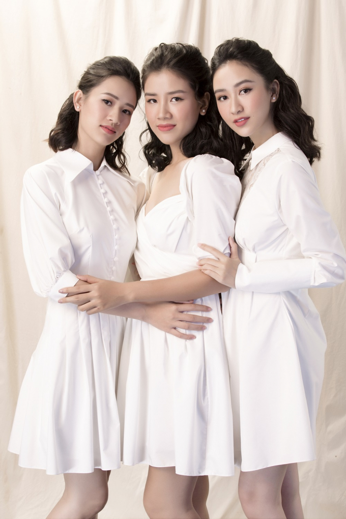 Vốn không chia sẻ quá nhiều về đời tư, ít ai biết rằng Hà Thu có hai cô em gái thân thiết và cũng xinh xắn luôn đồng hành và ở bên cạnh cô trong suốt thời gian qua.