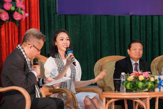 Hoa hậu Tiểu Vy phải khoan, đục đá khi làm dự án nhân ái