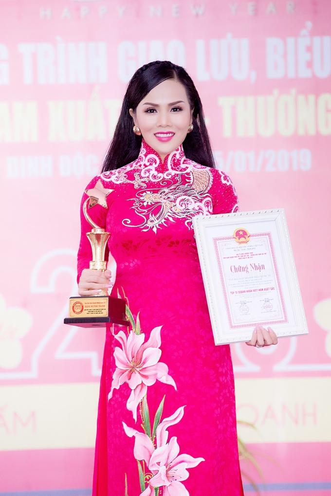 Chị còn làTop 12 Doanh nhân Việt Nam xuất sắc 2018.