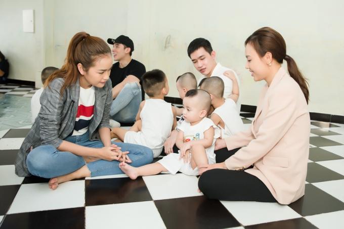 Hoa hậu Ngọc Châu vui vì một phần làm được những điều có ích.