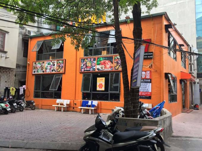 Nhà hàng lẩu Phan tại đường Nguyễn Chánh.
