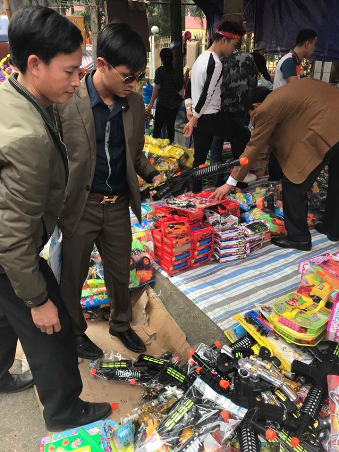 Những hình ảnh chưa đẹp tại Hội Lim