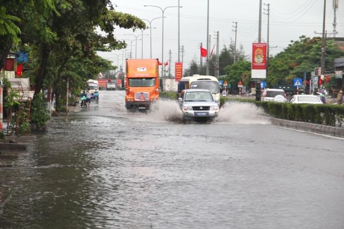 Cơn bão số 3 đã ảnh hưởng đến một số khu vực trong TP Hạ Long xuất hiện tình trạng ngập úng.