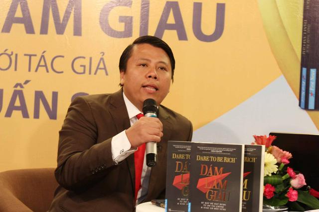 Chân dung tác giả Phạm Tuấn Sơn và cuốn sách mới ra mắt của ông