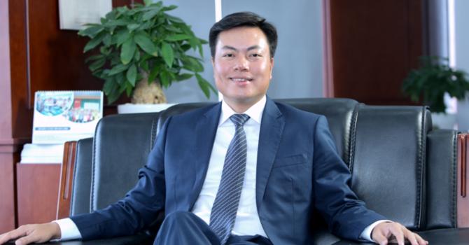 Ông Nguyễn Tiến Đức%2c Chủ tịch HĐQT Công ty Cổ phần Đầu tư và khoáng sản AMD Group sắp sở hữu 7,7 triệu cổ phiếu, tương đương tỷ lệ sở hữu tại AMD Group là gần 12%.